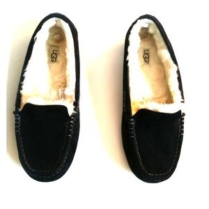 Ugg Women's Slippers Size 8 Black